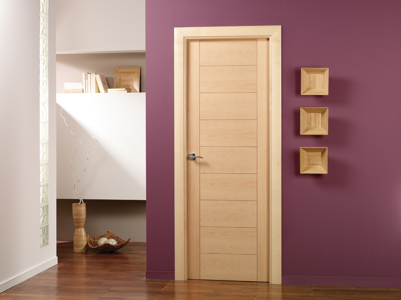 Inmeblock las puertas modernas de madera for Puertas de madera para dormitorios